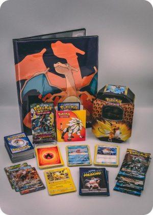 Pokemons ekstra store pakkeløsning med en stor Pokémonmappe - Pakketilbud 4.